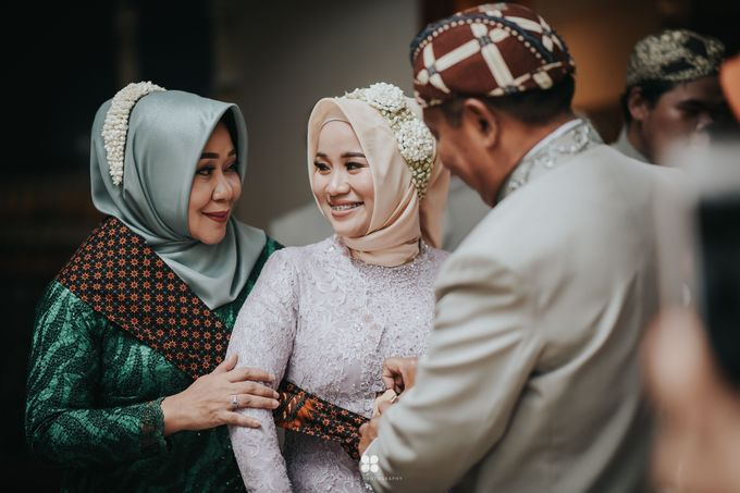 Wedding Day by Imam - Putri & Abid by Miracle Photography - 017