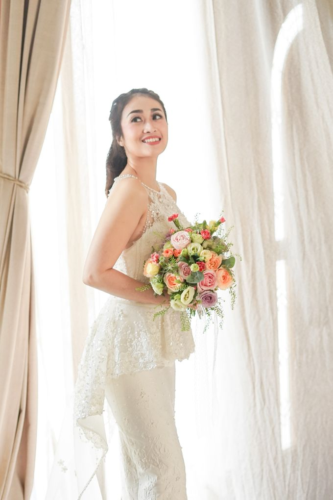 Bridal Bouquet Photoshoot by Ambrose Flower - 001