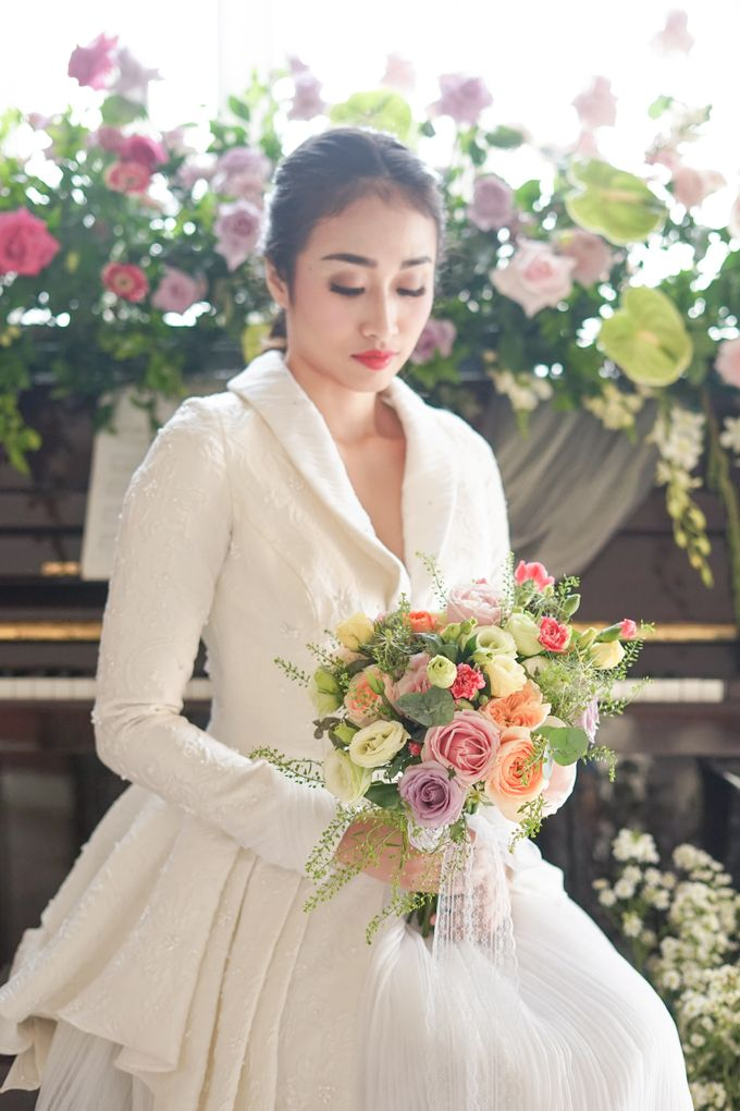 Bridal Bouquet Photoshoot by Ambrose Flower - 005