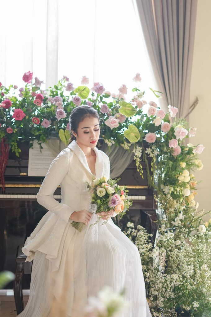 Bridal Bouquet Photoshoot by Ambrose Flower - 004