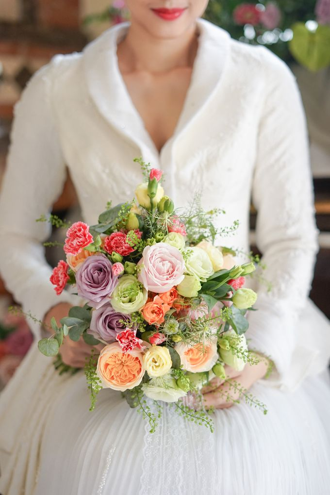 Bridal Bouquet Photoshoot by Ambrose Flower - 002