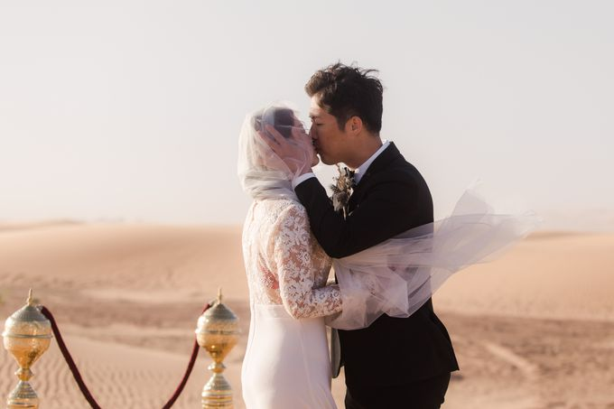 For years, I had the vision of capturing an elopement with camels in the dunes after a night in a Berber tent  by Fotomagoria - 020
