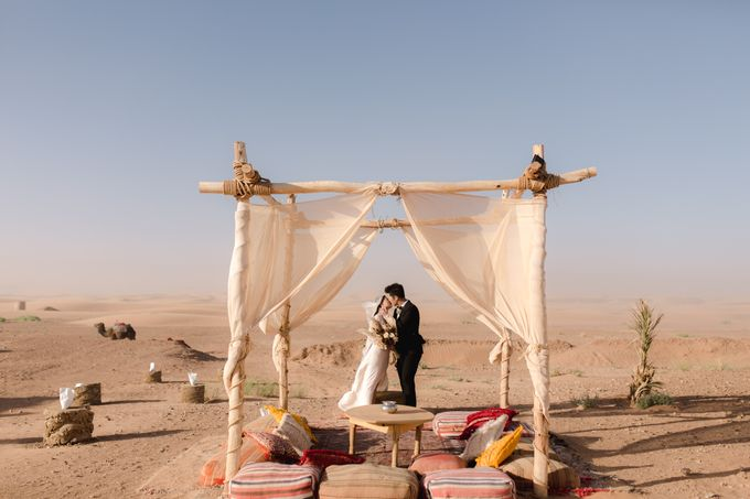 For years, I had the vision of capturing an elopement with camels in the dunes after a night in a Berber tent  by Fotomagoria - 023