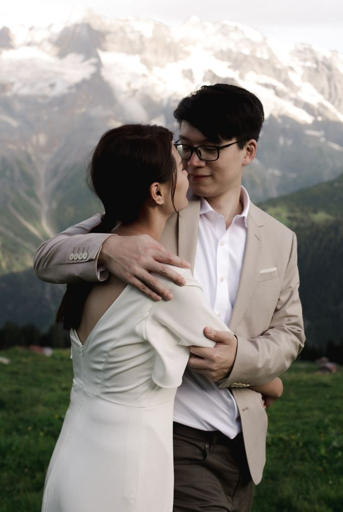 Swiss Alps Adventurous Pre-wedding Session of Hong Kong Couple by Fotomagoria - 007
