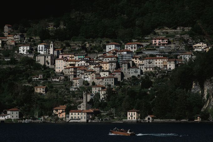 Luxury and classy destination wedding at Lake Como in Italy by Fotomagoria - 042