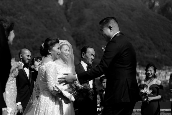 Luxury and classy destination wedding at Lake Como in Italy by Fotomagoria - 033