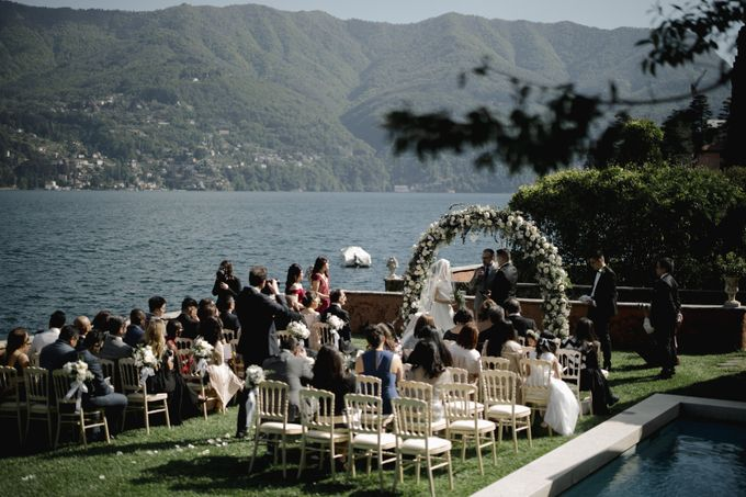 Luxury and classy destination wedding at Lake Como in Italy by Fotomagoria - 034