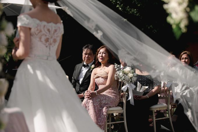 Luxury and classy destination wedding at Lake Como in Italy by Fotomagoria - 035