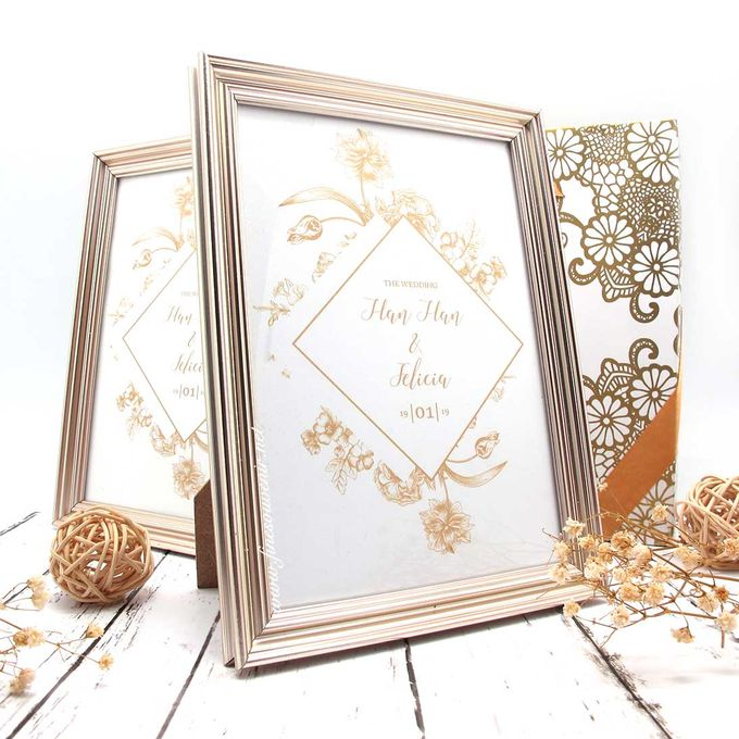 Exclusive Frame Gold Include Packaging by Fine Souvenir - 003