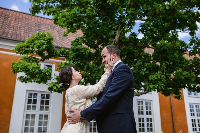 Frederiksberg Town Hall Wedding / Elopement by Ieva Vi Photo by Ieva Vi Photography - 019