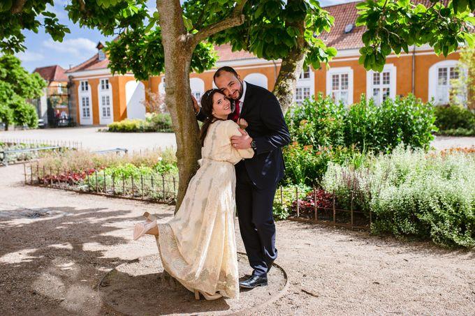 Frederiksberg Town Hall Wedding / Elopement by Ieva Vi Photo by Ieva Vi Photography - 020