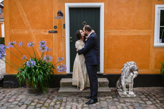 Frederiksberg Town Hall Wedding / Elopement by Ieva Vi Photo by Ieva Vi Photography - 011