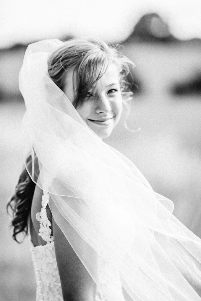 Natural & Romantic Wedding Photography by Samie Lee photography - 009