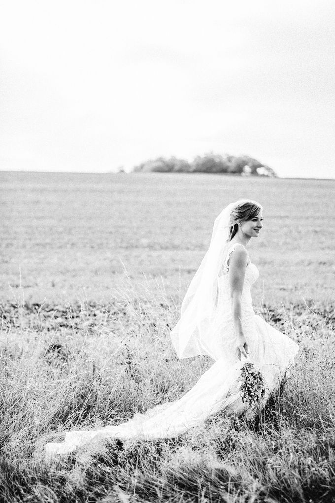 Natural & Romantic Wedding Photography by Samie Lee photography - 010