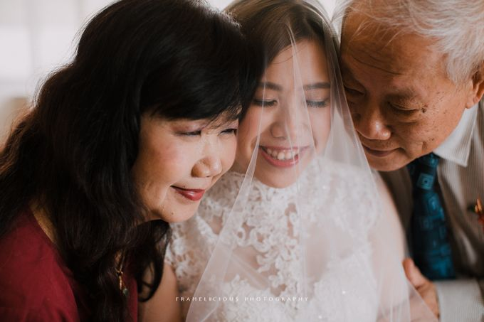 Debbie & KahWai - Wedding Photography by Framelicious Studio - 014
