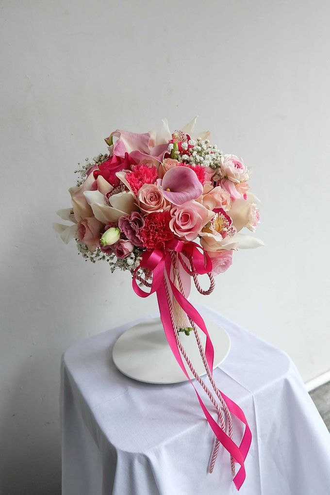 Round Bouquet Collection by Il Fiore - 013