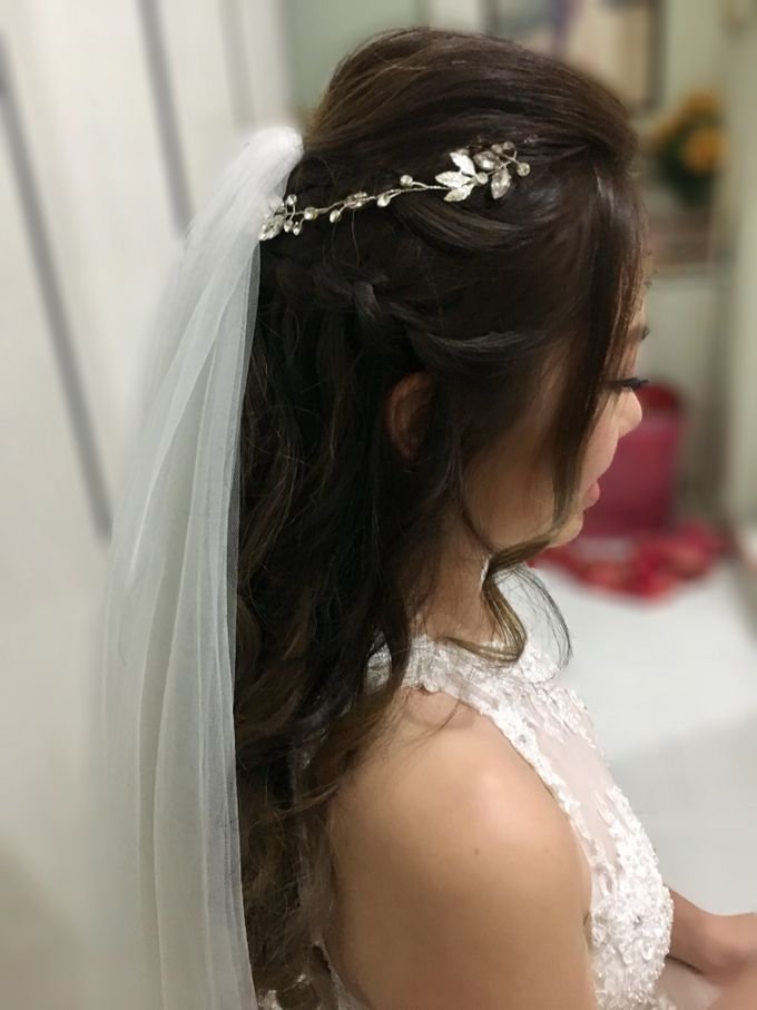 Romantic Floral Rustic Half up Half Down Hairstyles by Sylvia Koh Makeup and Hairstyling - 017