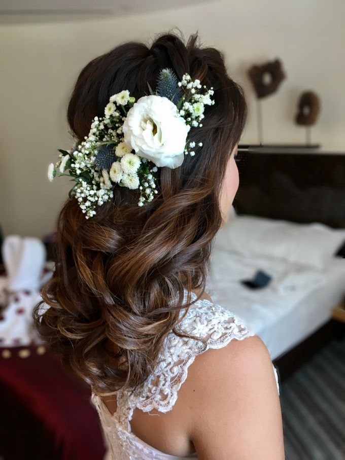 Romantic Floral Rustic Half up Half Down Hairstyles by Sylvia Koh Makeup and Hairstyling - 005