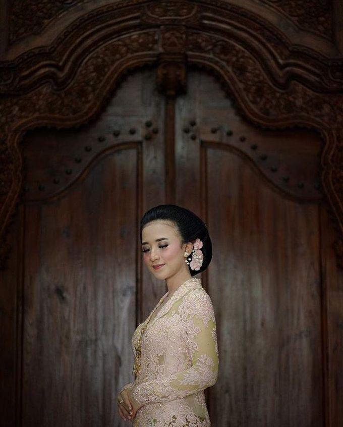 The Wedding Of Astrini & Rian by Soe&Su - 015