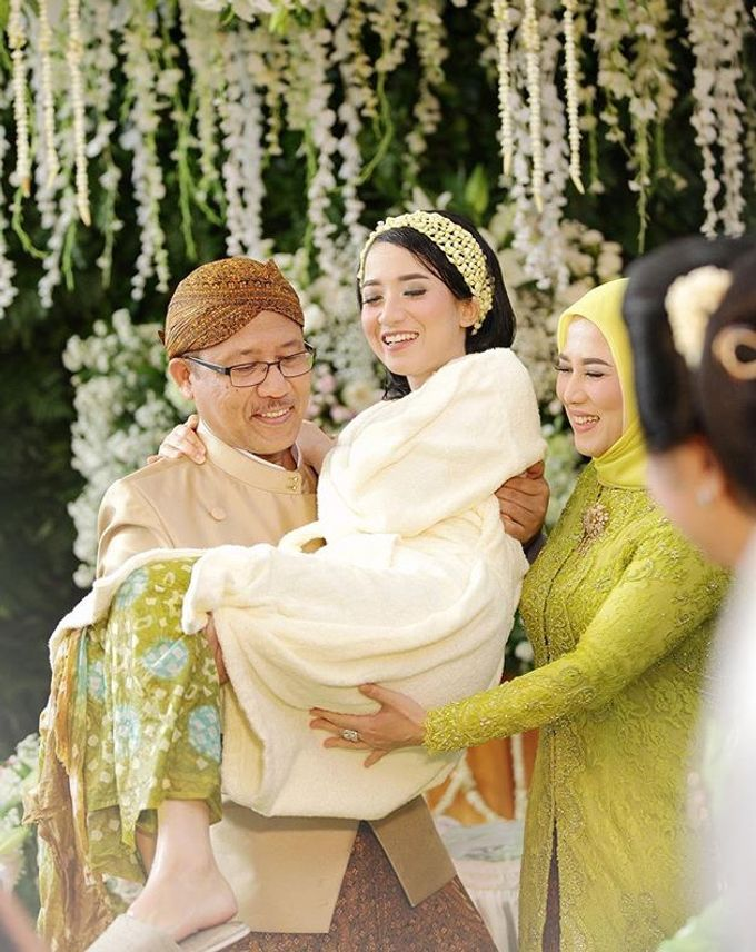The Wedding Of Astrini & Rian by Soe&Su - 016