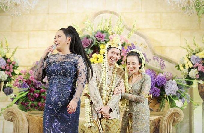 The Wedding Of Astrini & Rian by Soe&Su - 025