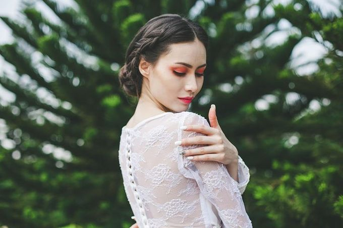 Emcee Couture 2016 Bridal Lookbook by Emcee Couture - 005