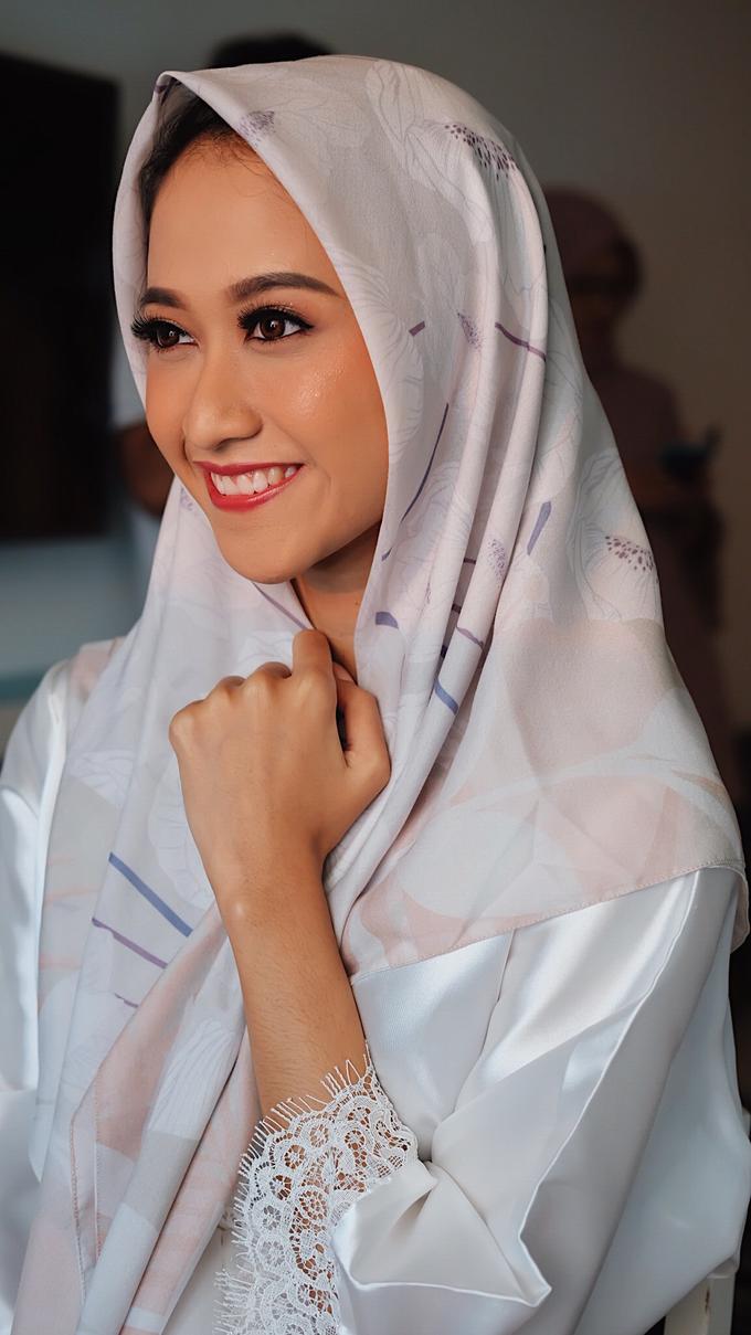 Sundanese Bride Vina by GabrielaGiov - 009