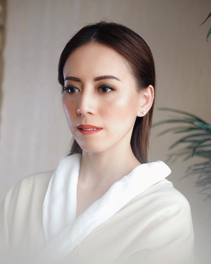 Audrey Kiang  by GabrielaGiov - 001