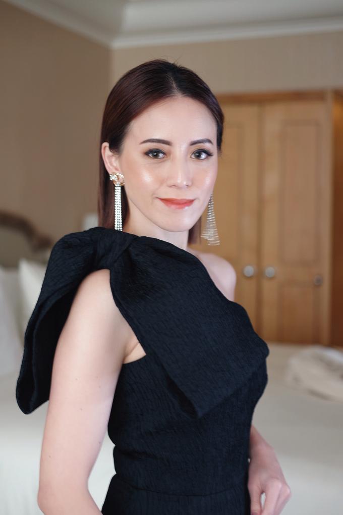 Audrey Kiang  by GabrielaGiov - 005