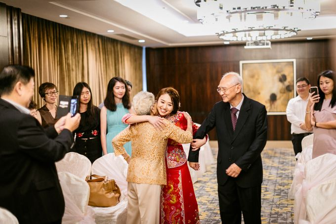Wedding Day Moment Photography by Carlton Hotel Singapore - 001