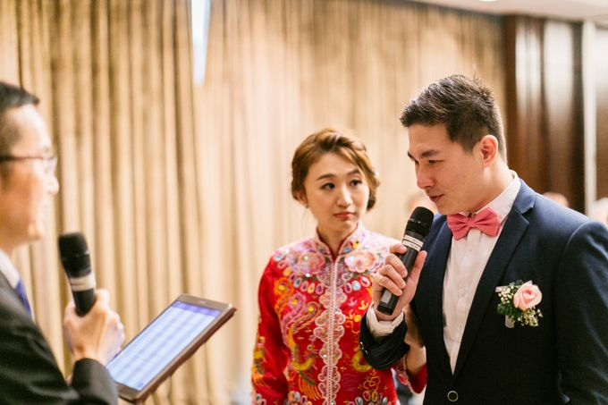 Wedding Day Moment Photography by Carlton Hotel Singapore - 002