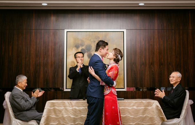 Wedding Day Moment Photography by Carlton Hotel Singapore - 005