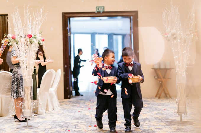 Wedding Day Moment Photography by Carlton Hotel Singapore - 007