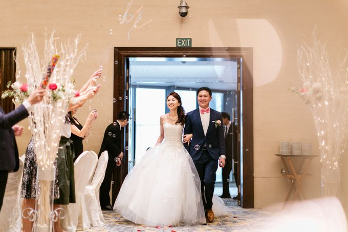 Wedding Day Moment Photography by Carlton Hotel Singapore - 008
