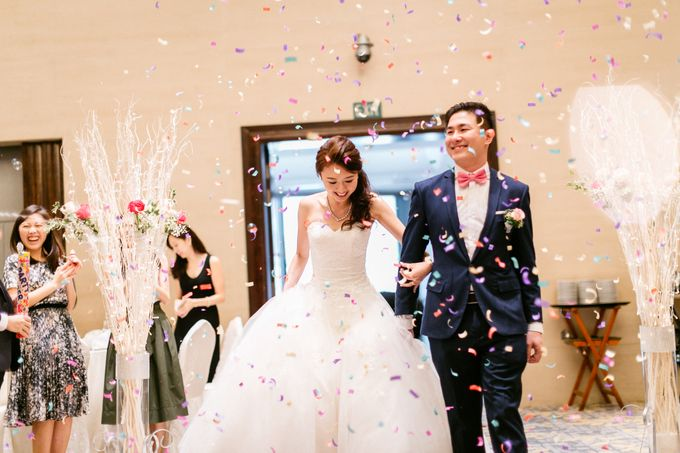Wedding Day Moment Photography by Carlton Hotel Singapore - 009