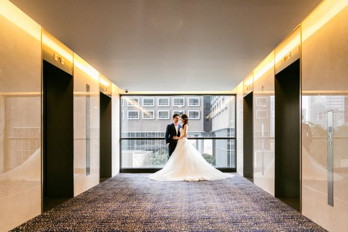 Wedding Day Moment Photography by Carlton Hotel Singapore - 010