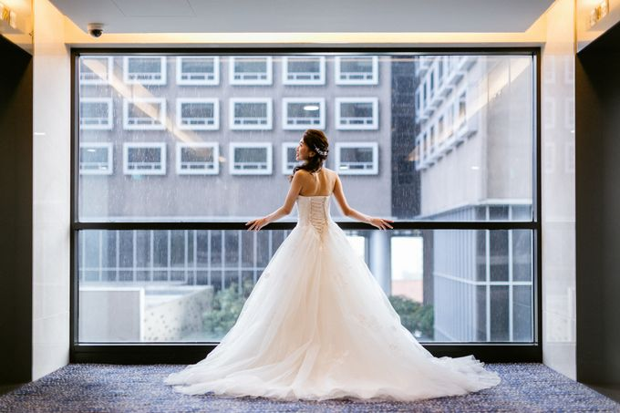 Wedding Day Moment Photography by Carlton Hotel Singapore - 011