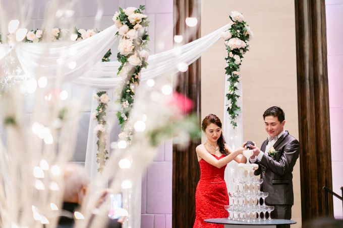 Wedding Day Moment Photography by Carlton Hotel Singapore - 012