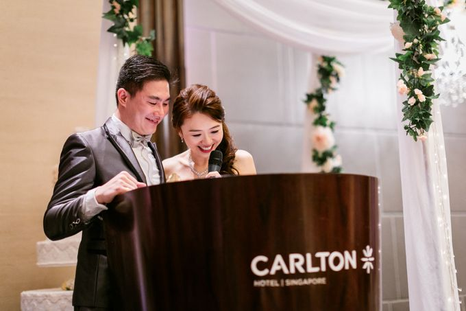 Wedding Day Moment Photography by Carlton Hotel Singapore - 013