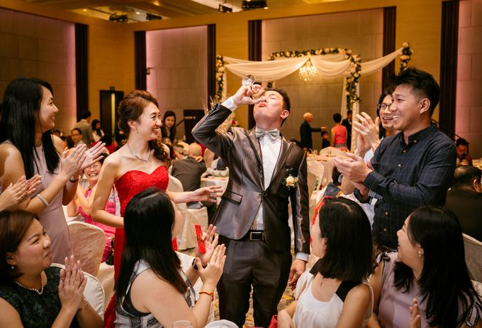 Wedding Day Moment Photography by Carlton Hotel Singapore - 014