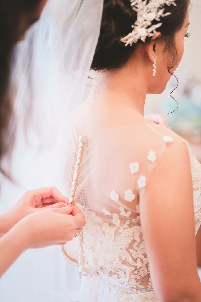 Gavin & Emmy Wedding Day at Pan Pacific Hotel by Jen's Obscura (aka Jchan Photography) - 001