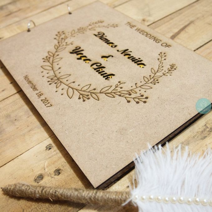 Rustic Wooden Guestbook by TalkingCard - 008