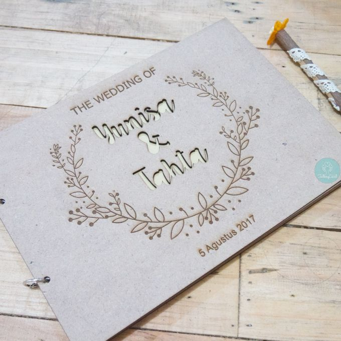 Rustic Wooden Guestbook by TalkingCard - 006