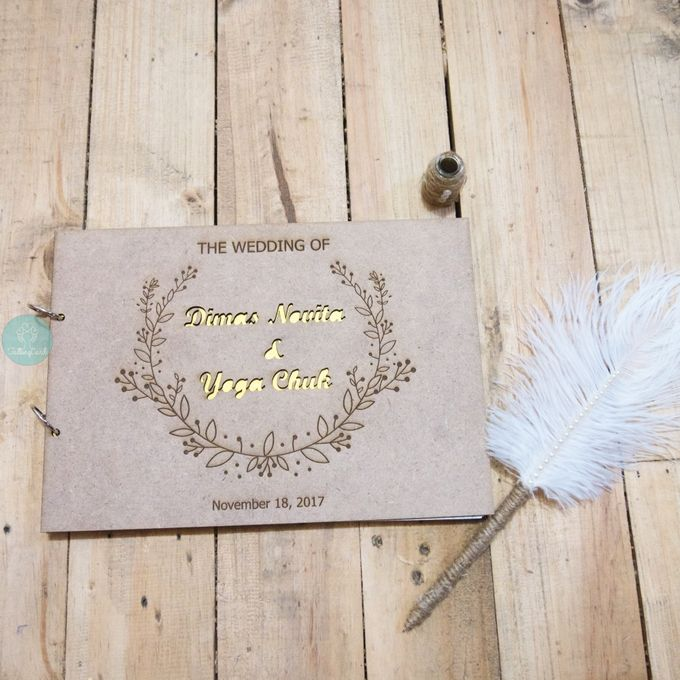 Rustic Wooden Guestbook by TalkingCard - 009