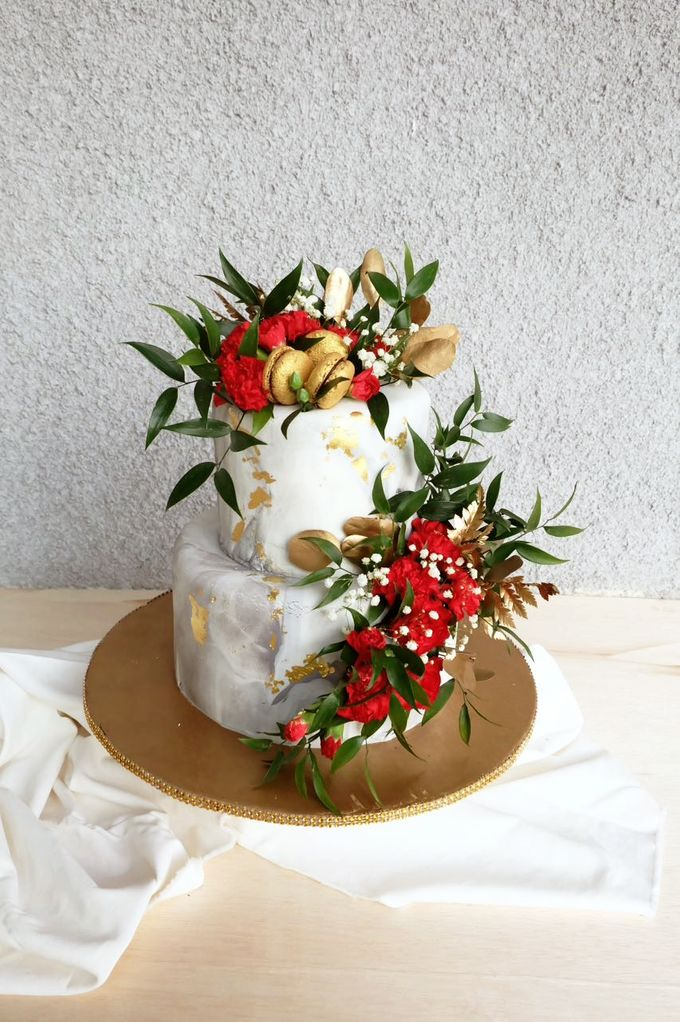 Marble 2 Tiered Cake by KAIA Cakes & Co. - 001