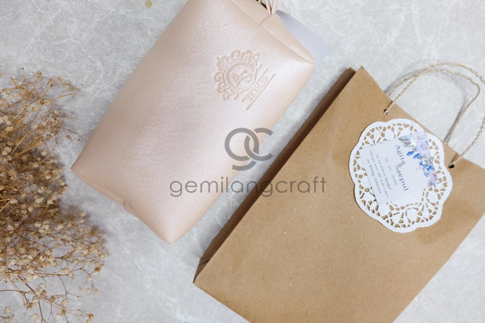 Boxy pouch packaging paper bag Agita & Saepul by Gemilang Craft - 003