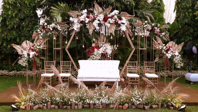 Ghea & Iqbal Wedding Decoration by Nona Manis Creative Planner - 002