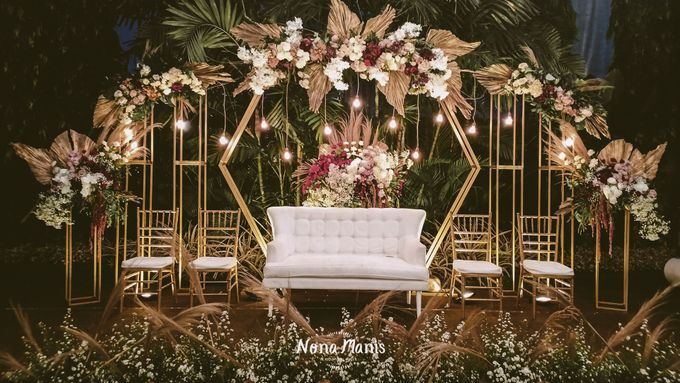 Ghea & Iqbal Wedding Decoration by Nona Manis Creative Planner - 005