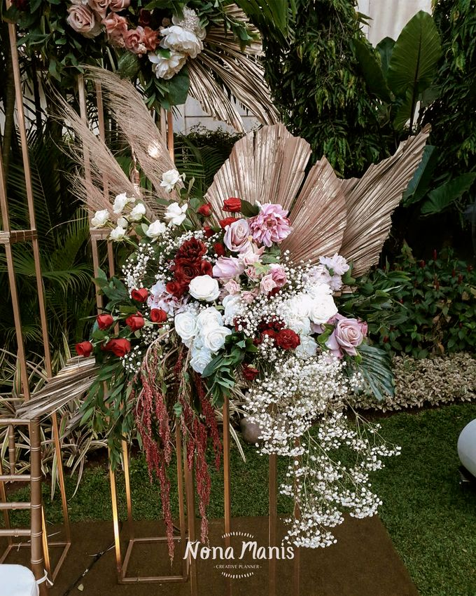 Ghea & Iqbal Wedding Decoration by Nona Manis Creative Planner - 006