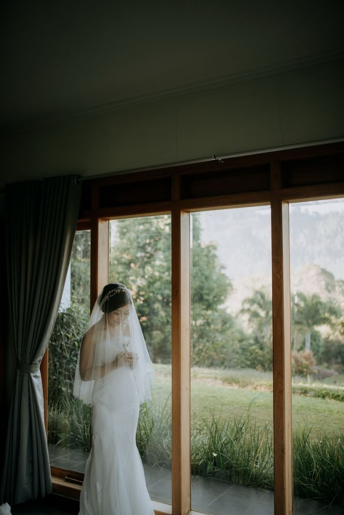 Yenni and Peter Wedding Day by NOMA Jewelry & Accessories - 004